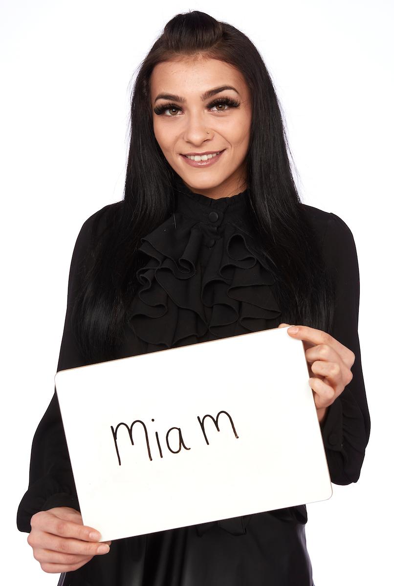 Mia M